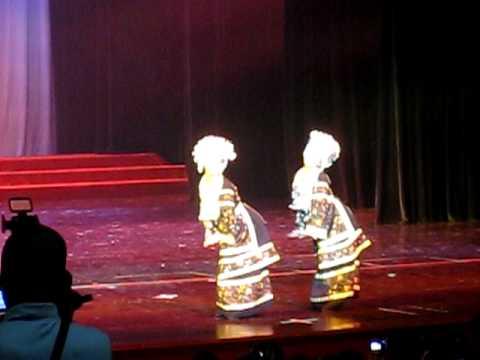 Múa dân tộc Mèo: Lắc (nhà hát Liễu Châu)