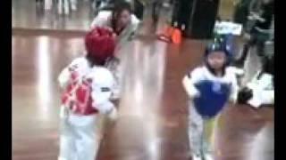 Смешной детский бой