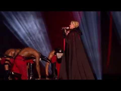 Madonna Living For Love Live (BRIT Awards 2015)