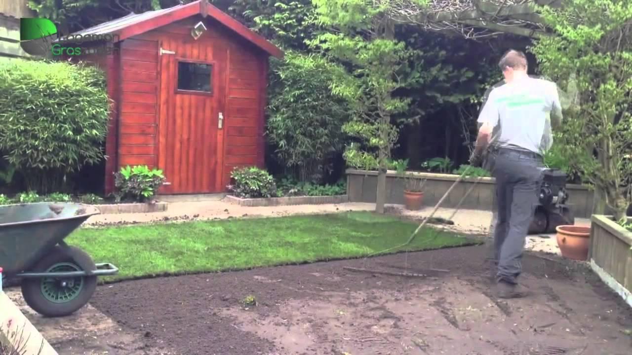 Zelf oude graszoden verwijderen en nieuwe aanleggen doovi for Afvoerput tuin aanleggen