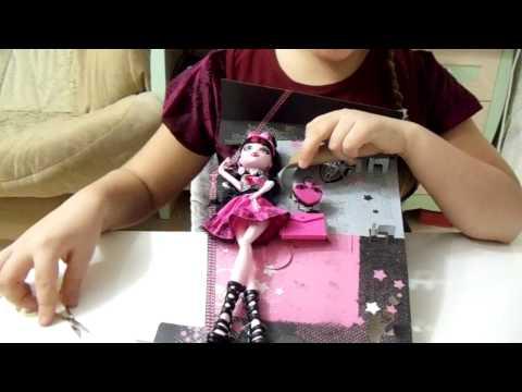 распаковка куклы Дракулауры День Фото