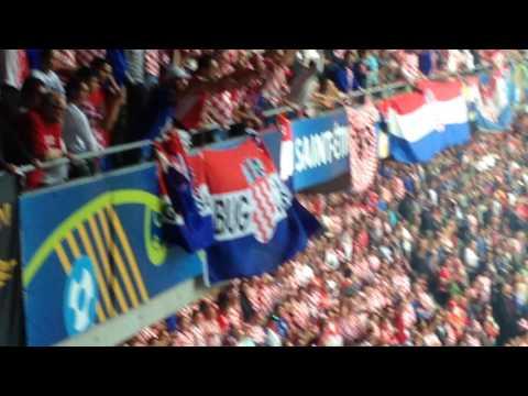 Euro 2016: Croatia v Czech Republic - Crowd Violence & Flares (17/06/16)