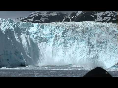 Giant Glacier breaks off Sawyer, Alaska (AMAZING!)