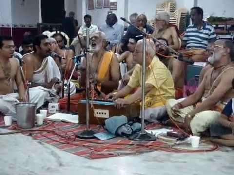 Senthuril Ninraadum Kanda    செந்தூரில் நின்றாடும் கந்தா குஹா