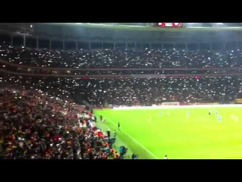 ultrAslan Tribün Işık Şov   Sen Varya Sen ! ( Türk Telekom Arena Antalyaspor Maçı )
