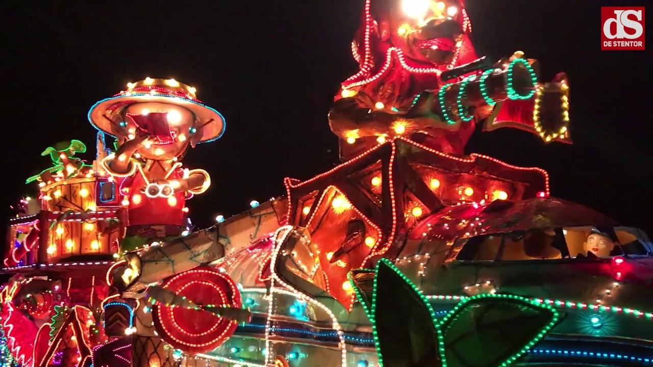 Verlichte carnavalsoptocht Lemelerveld - YouTube