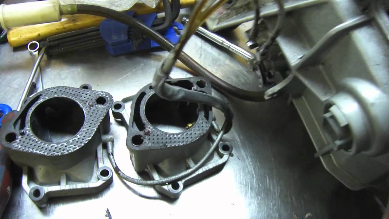 Inside a Seadoo 951 Motor  YouTube