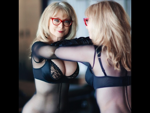 vodeo milf video porno nina hartley