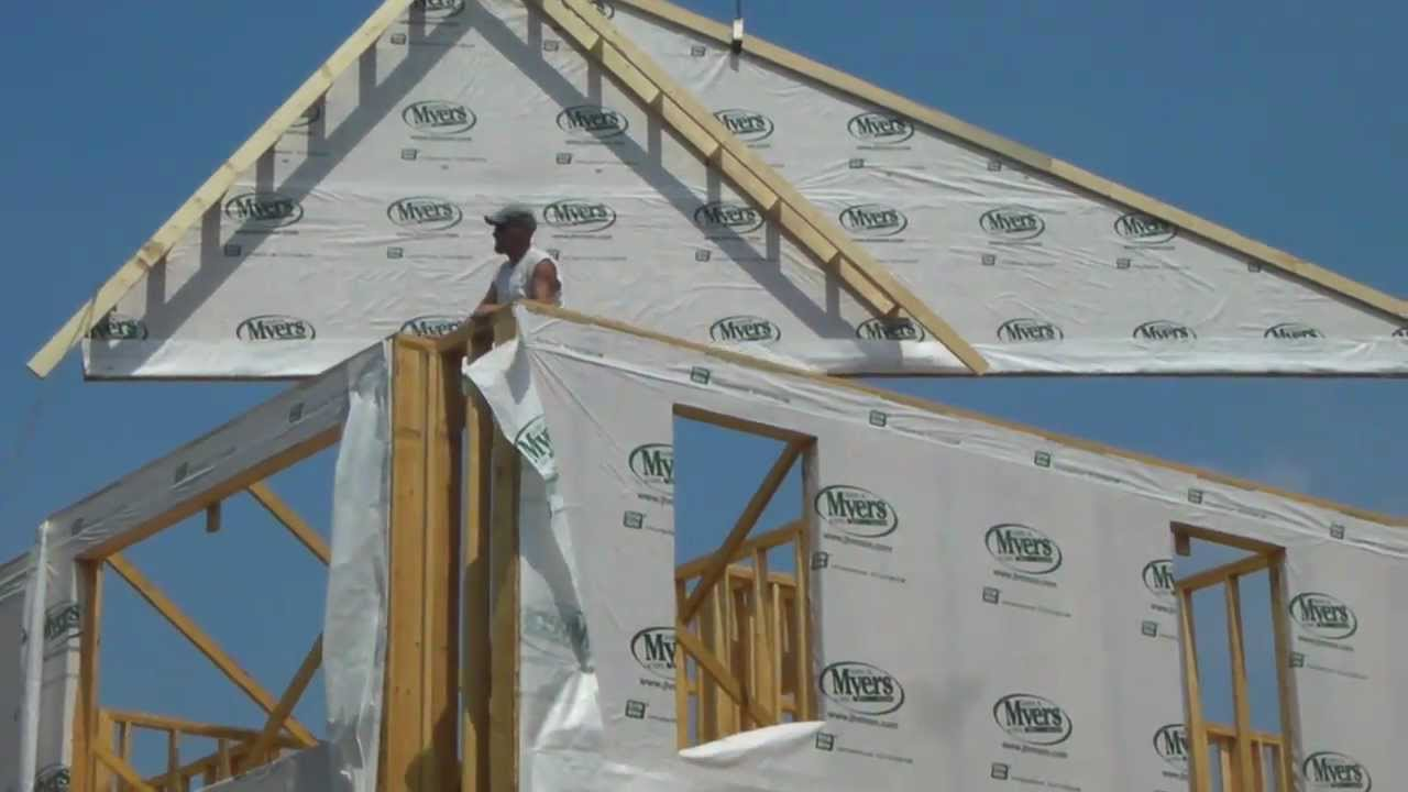 Lifting Roof Trusses Youtube
