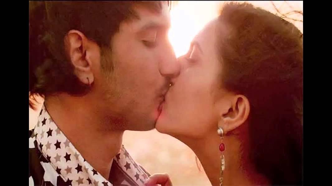 Hot Romance Kissing Scene