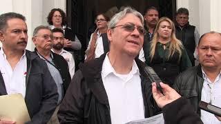 Entrevista de los medios de comunicación al Dr. Sergio Barraza Félix, Secretario General del STAUS