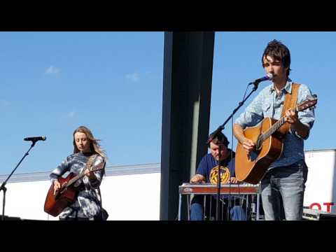 """""""BOY AND A GIRL THING"""" Mo Pitney from Kickin Up Kountry music festival in Karlstad Mn June 10 2017"""