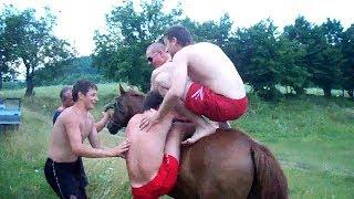 як козаки з коня попадали/ прикол парни упали с лошади