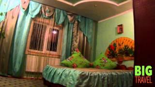 Наше жилье в Микуличине(Расселение производится в деревянных коттеджах, все номера отделаны деревом. http://big.travel/gornolyzhnye-tury-v-ukraine/bukovel., 2014-01-08T08:53:58.000Z)