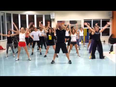Coreografia - CCRC - PSY Gangnam Style Travel Video