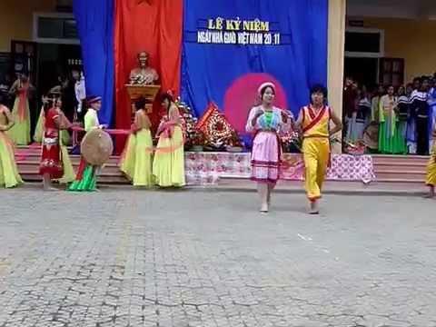 Văn nghệ kỷ niệm ngày nhà giáo Việt Nam 20-11-2009 trường THPT Nam Yên Thành