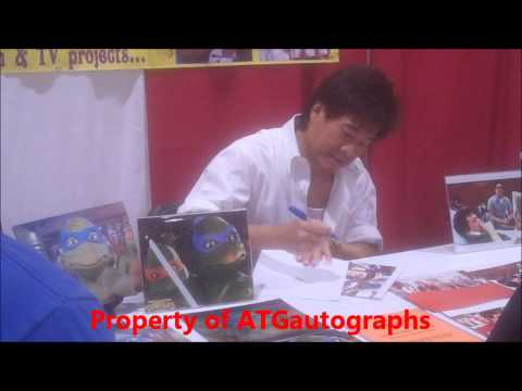 Brian Tochi Signing Autographs at the 2013 Motor City Comic Con