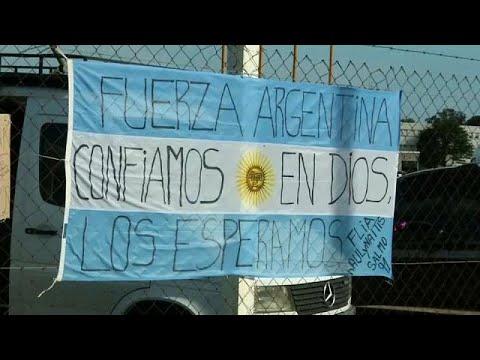 Mau tempo afeta buscas por submarino argentino