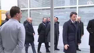 Renzi a Milano ai laboratori Pirelli