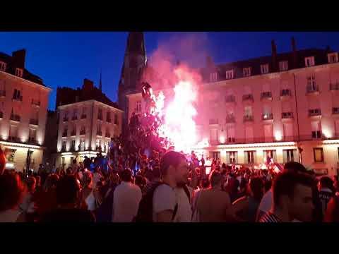 Ambiance apres France Croatie coupe du monde 2018 à Nantes