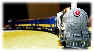 "VIDEO FOR CHILDREN ""Train Union Pacific"" Toy Model Railway with Passenger Train"