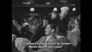 It happened one night scene - The Daring Young Man on the flying Trapeze - TR ALTYAZI