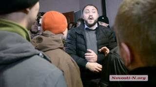"""Видео """"Новости-N"""": В Николаеве  """"правый сектор"""" избил лидера """"Украинского выбора"""""""