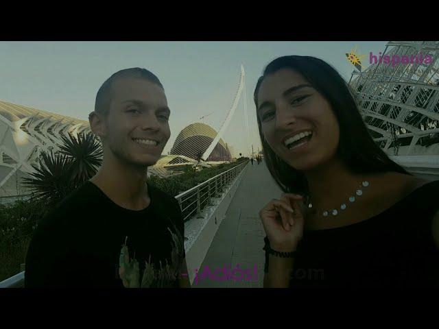 Dennis e Ilona en la Ciudad de las Artes y las Ciencias de Valencia