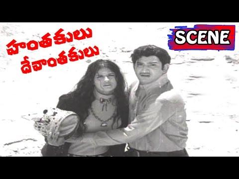 Finally Krishna Saves Crown  - Hanthakulu Devanthakulu Movie Scenes | Jyothi Lakshmi |V9 Videos