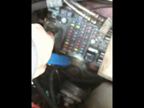 hqdefault can't read engine codes chevy express van youtube 2010 chevy express 3500 fuse box location at n-0.co