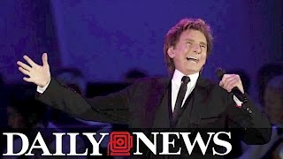 Barry Manilow speaks out about sexuality for first time
