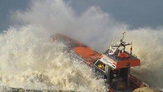 KNRM Katwijk Eerste herfst-stormoefening met reddingboot De Redder 2014