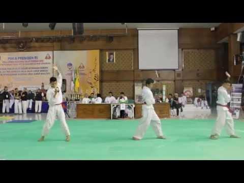Juara 2 kombinasi tangan kosong cowo (rifqi, yuda, rizal)