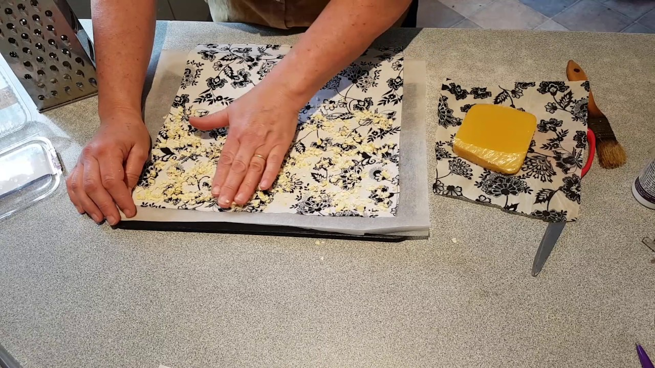 How to make beeswax cotton food wrap with either an iron or oven