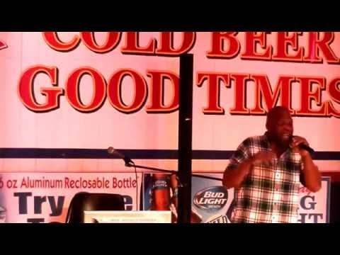 """Jimmy Joe karaoke at Wild Wings.Leo Davis sings """"Easy"""""""