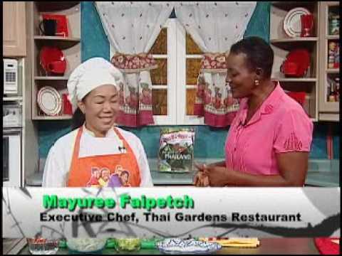 pad-thai-gai---grace-foods-creative-cooking