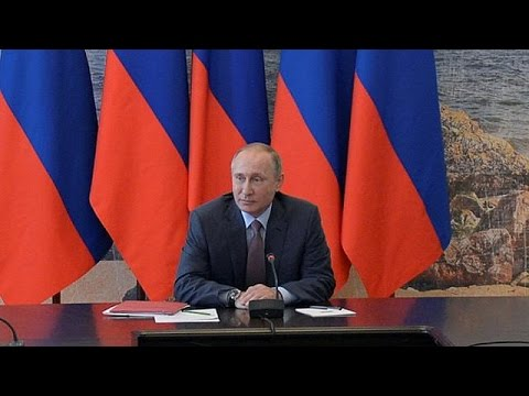 Putin in Crimea accusa Kiev di non voler rispettare gli accordi di Minsk
