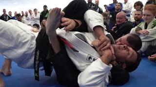 Renzo Gracie rolling with a brown belt