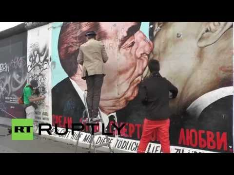 Germany: Berlin Wall gets spring clean after official neglect