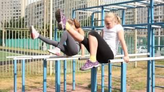 Гимнастические упражнения на параллельных брусьях