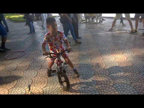 Vài phút ở trung tâm thủ đô của cộng sản(Hà Nội 2015): Video đã lâu bây giờ thấy lại up lên cho VUI