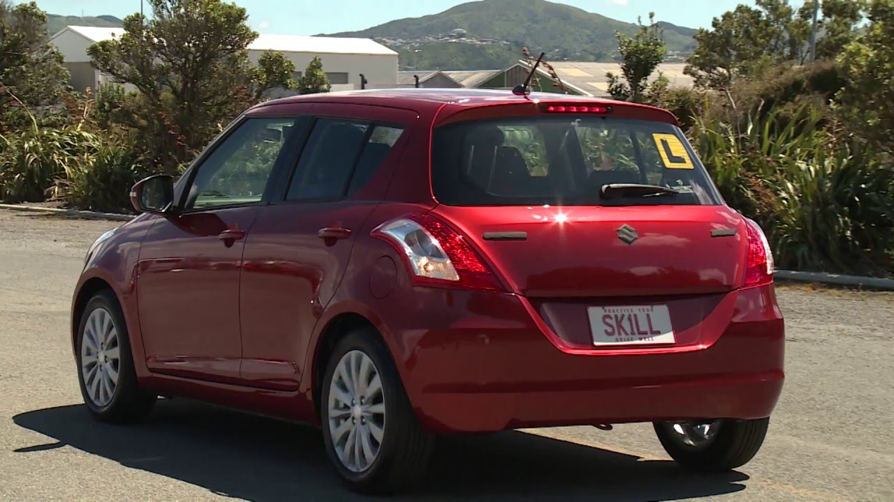 Drive: How to move in reverse in an automatic car