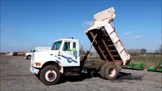 1995 International 4700 dump truck for sale | sold at auction April 7, 2015