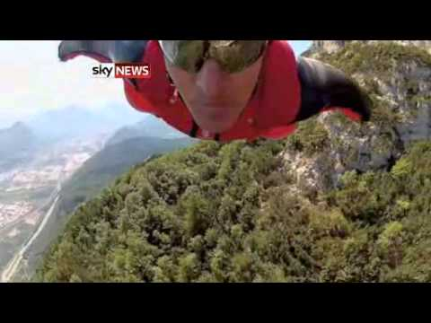 'James Bond' Skydiver Dies In Alps Accident - Today's News