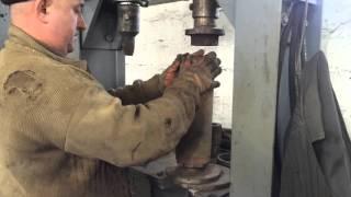 Ремонт конвеєрних роликів в умовах шахти, все зроблено своїми руками.