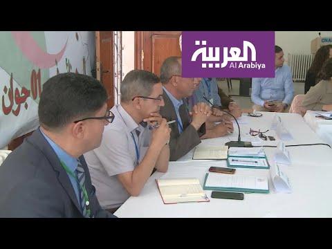عشرات النقابات والجمعيات تفتح الباب لحوار ينقذ الجزائر  - 23:53-2019 / 6 / 1