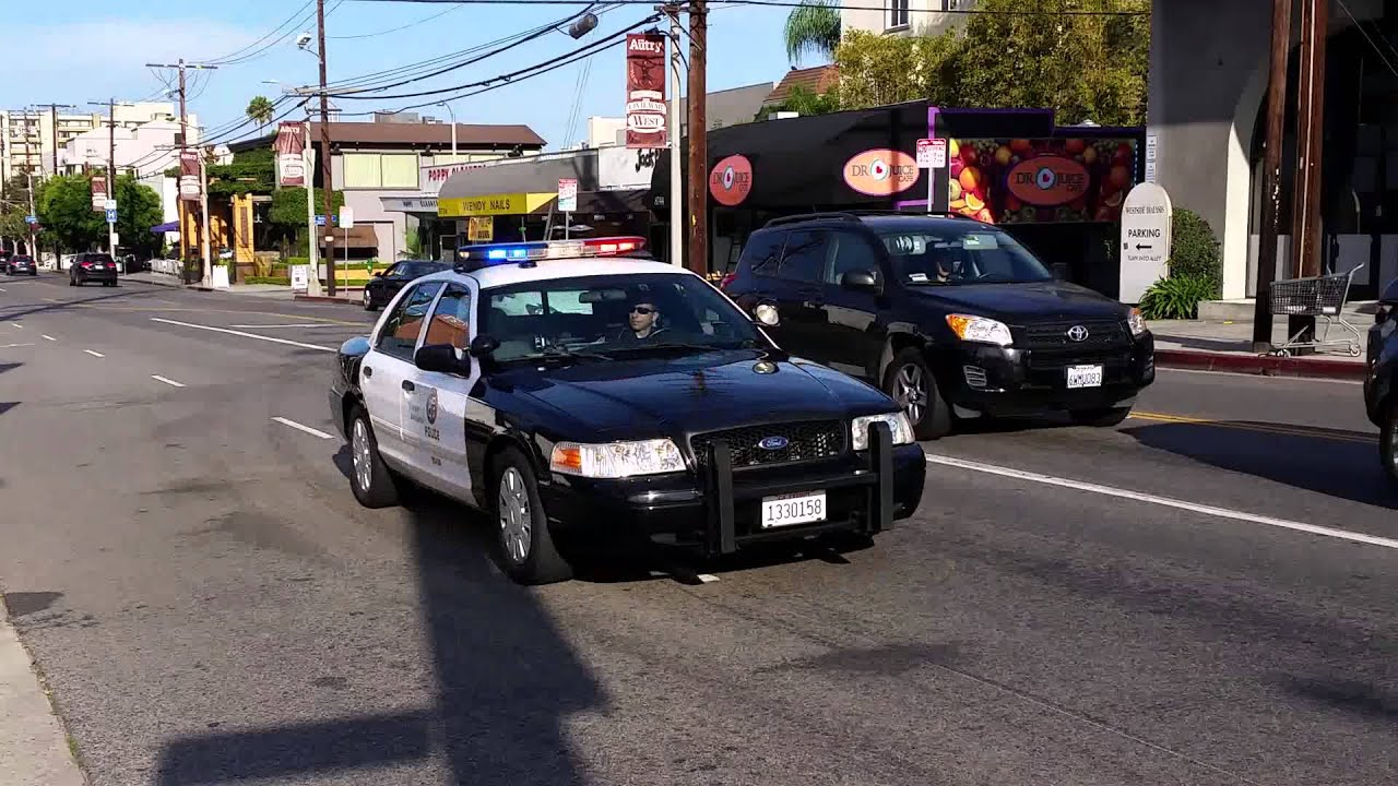 Crown Vic Police Car Wallpaper Lapd Cvpi Responding Code 3 Youtube