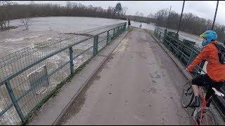 L'eau ça mouille // Ride pendant les inondations #1