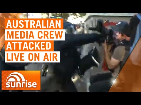 Washington riots: Australian 7NEWS crew attacked by police live on air | 7NEWS