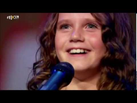Amira Willighagen - VTM News - 30 December 2013
